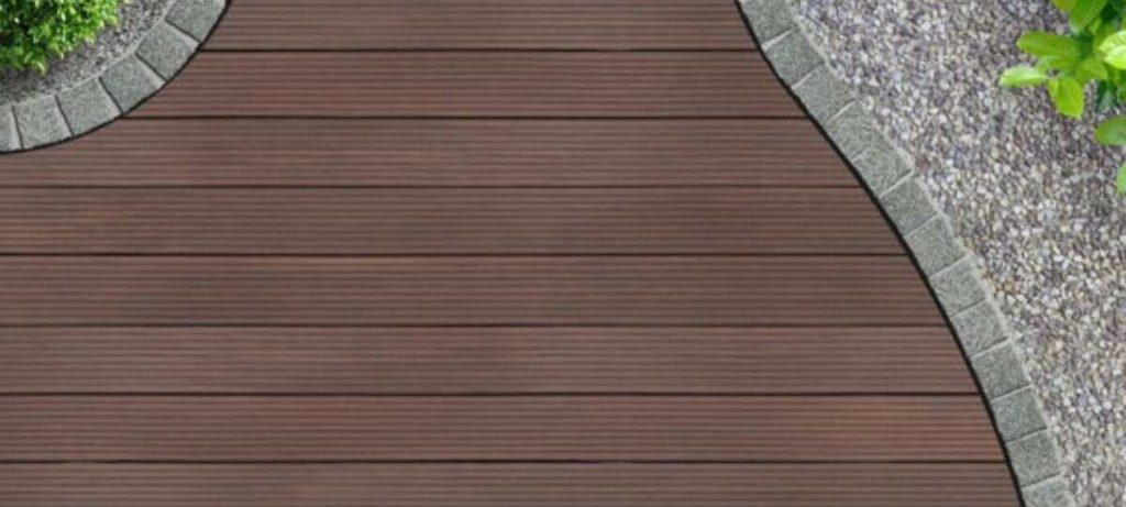 does outdoor decking swell