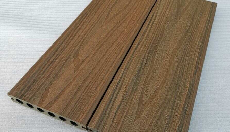 Outdoor decking material that has a long lifetime worth