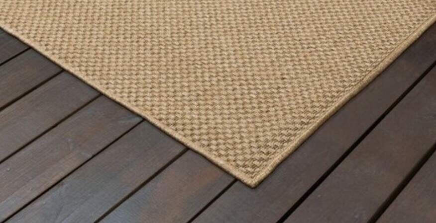 Placing rugs on decking