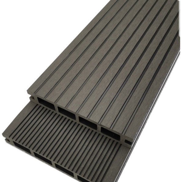 non-slip decking that will not become slippery in winter