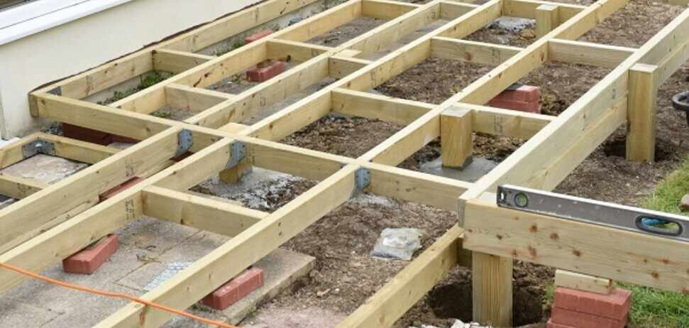 ground level decking with short post